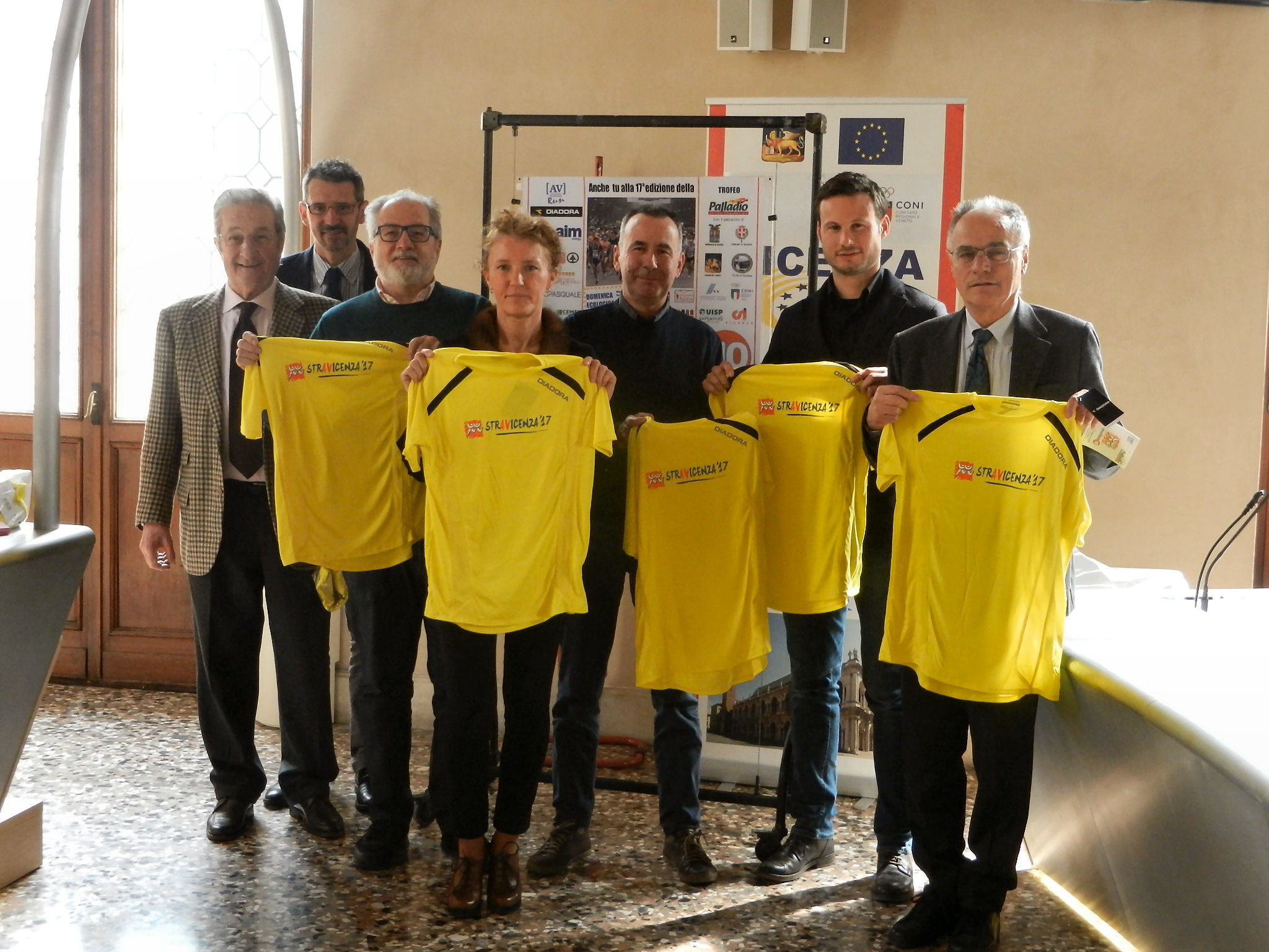 Presentata la stravicenza 10 av run for Ravelli arredamenti