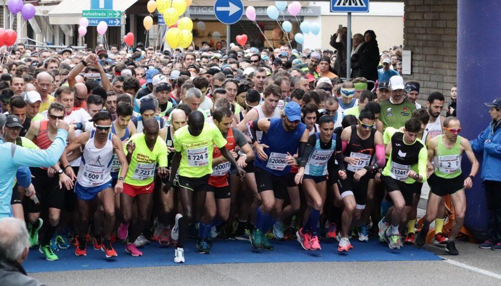 La partenza della Mezza Maratona Città di Palmanova (foto tratta dalla pagina FaceBook Mezza Maratona di Palmanova)