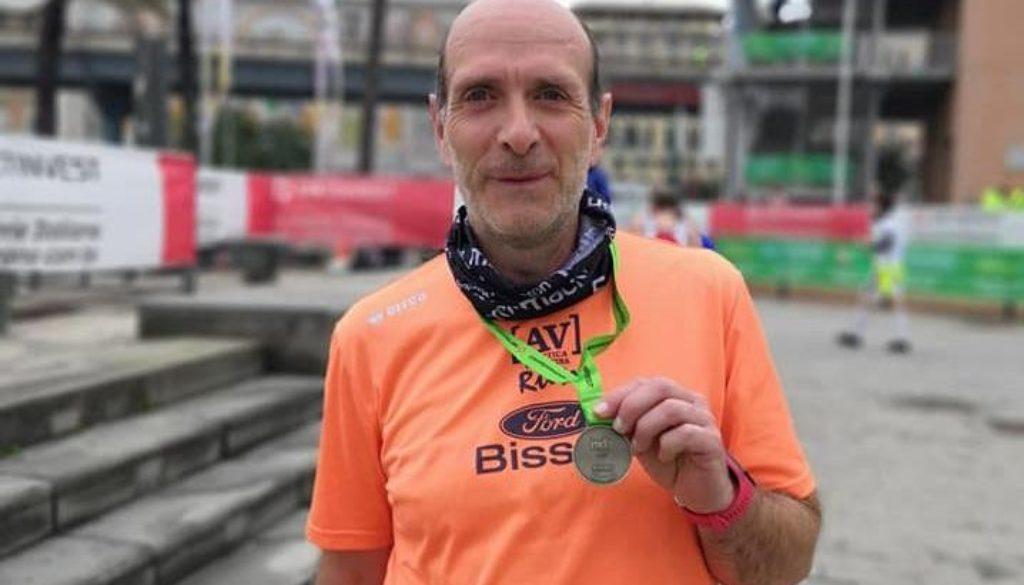 Giorgio Menegazzo al termine della Mezza Maratona di Genova - Copia